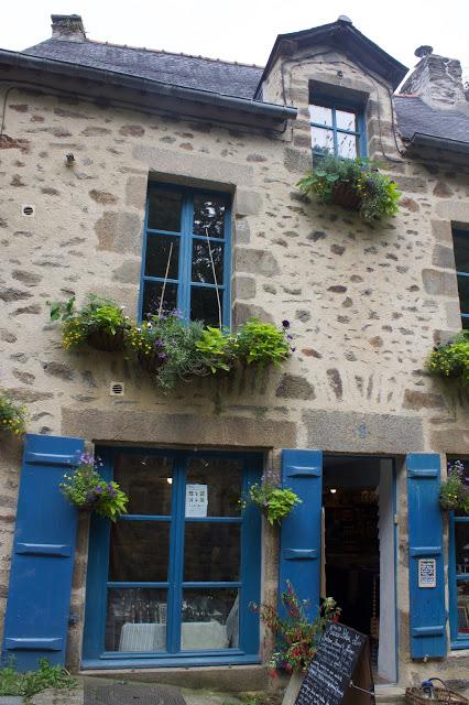 Visiting the Medieval village of Dinan France