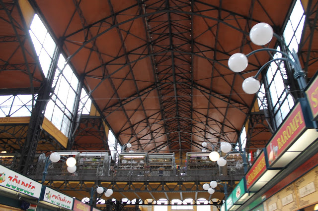 food market, where to eat budapest cheap